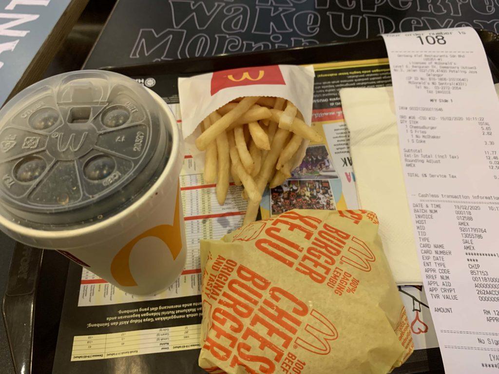 McDonaldのチーズバーガー