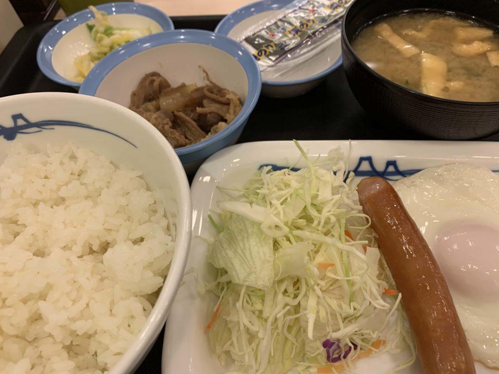 ソーセージエッグ定食
