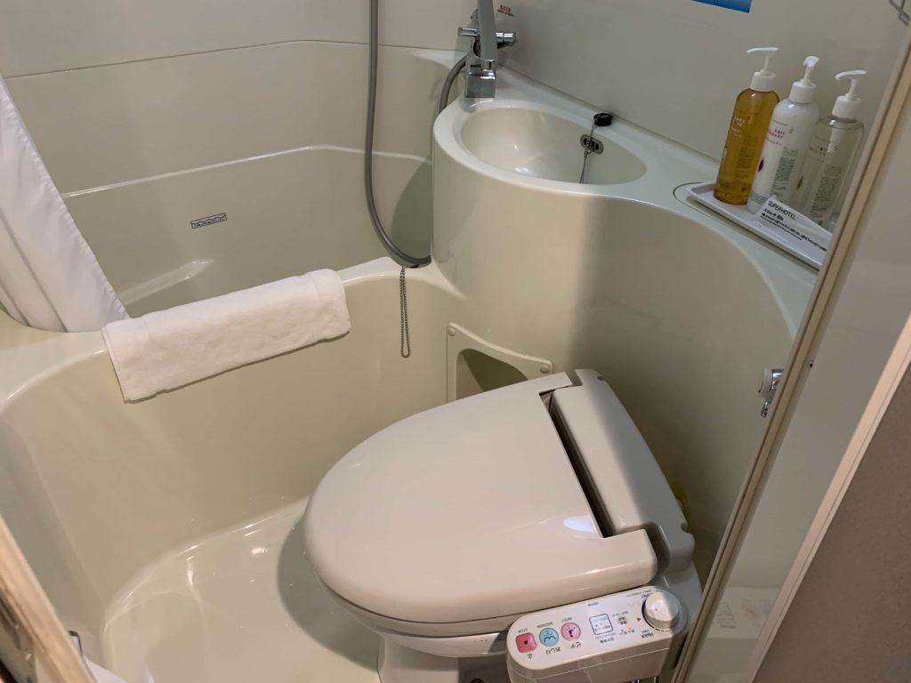 スーパーホテルの浴室