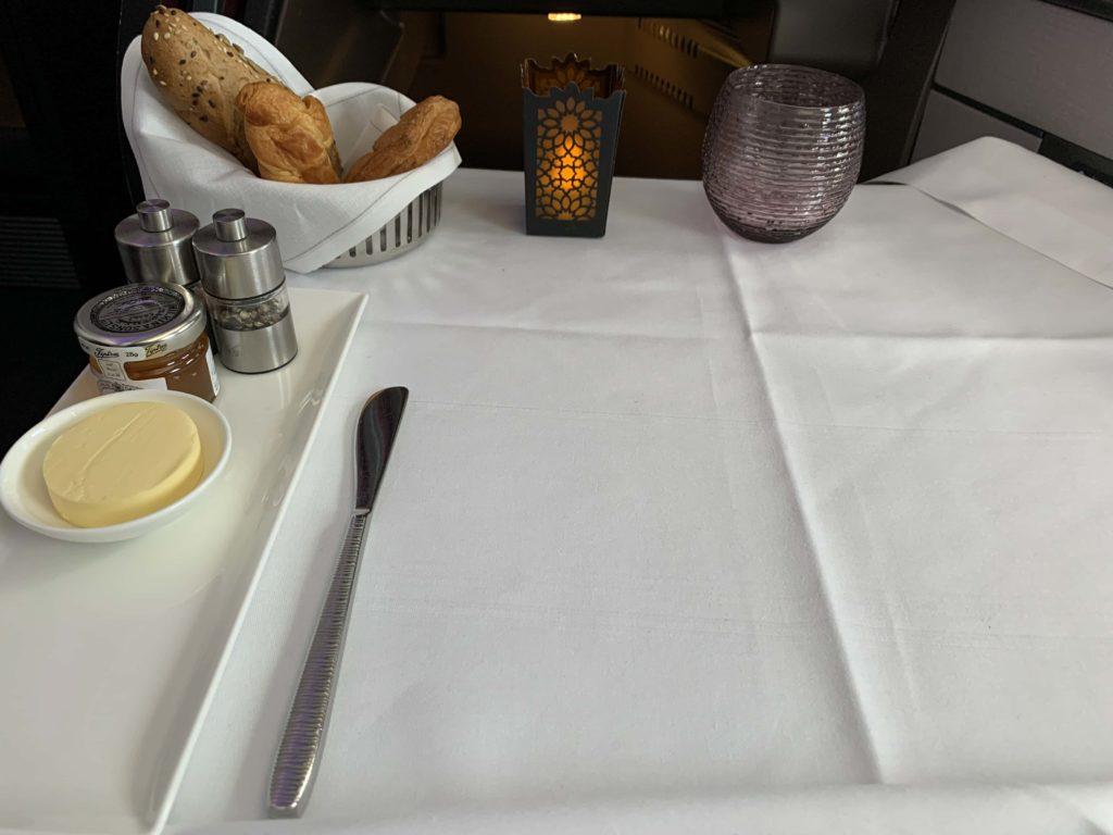 ビジネスクラスのテーブルセット