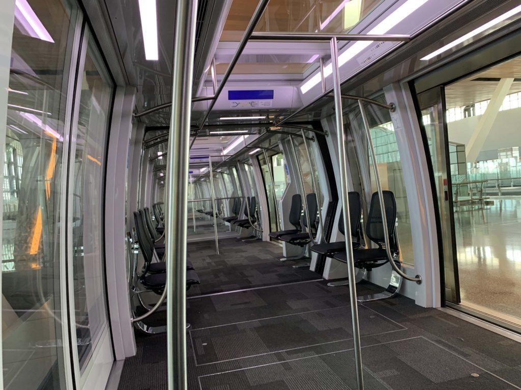 ハマド国際空港の無人電車