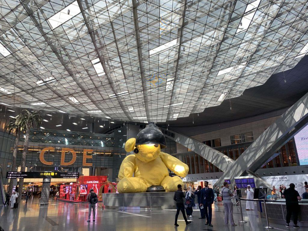ハマド国際空港のテディベア